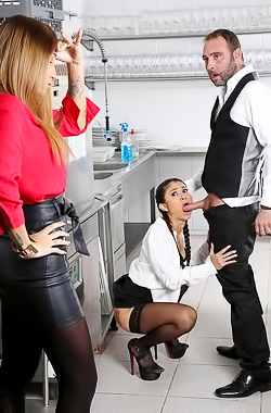 Dinner Fucking With Jade Presley And Venus Afrodita